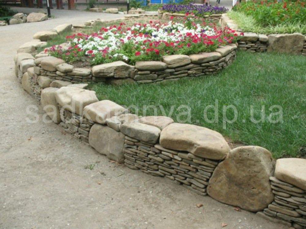 Клумба из природных камней своими руками